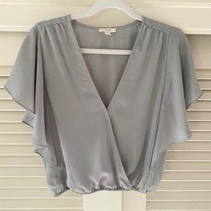 """Anthropologie """"E hanger M"""" Gray Butterfly Sleeve Wrap Crop Top Size M"""